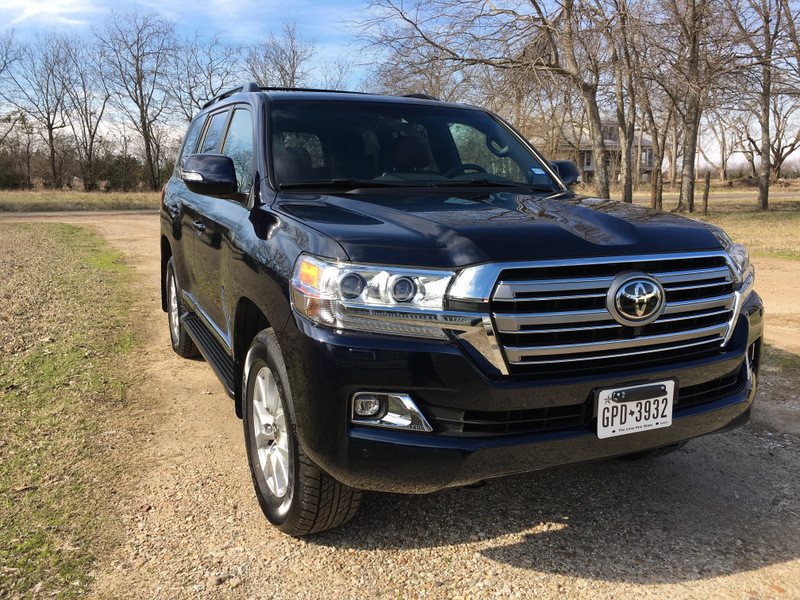 2016 Toyota Land Cruiser – Luxury SUV