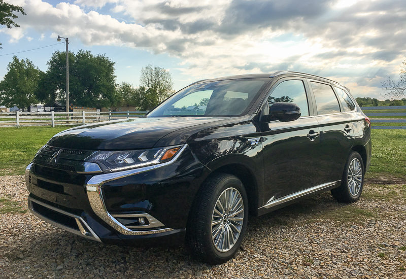 2019 Mitsubishi Outlander PEHV Review